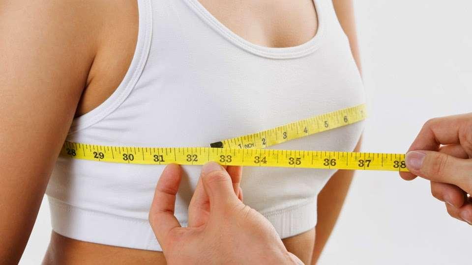 Уменьшение размеров груди: причины и особенности