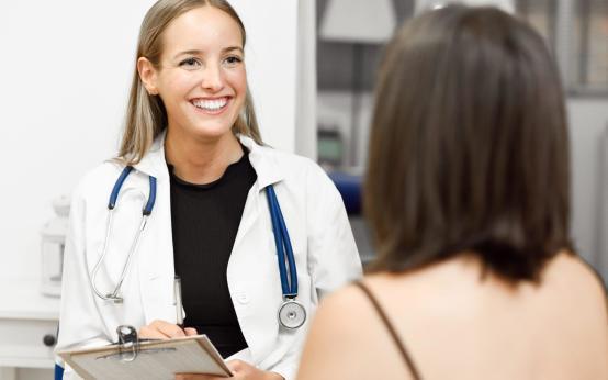 Врач маммолог: что и как лечит, как принимает, как выбрать