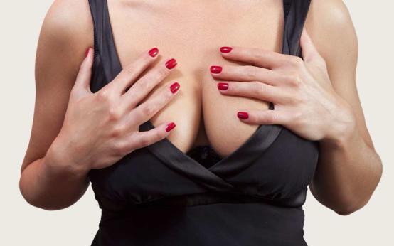 Почему горячая грудь?