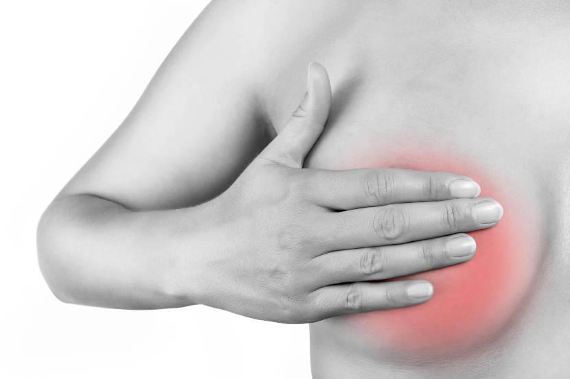 Почему болят молочные железы
