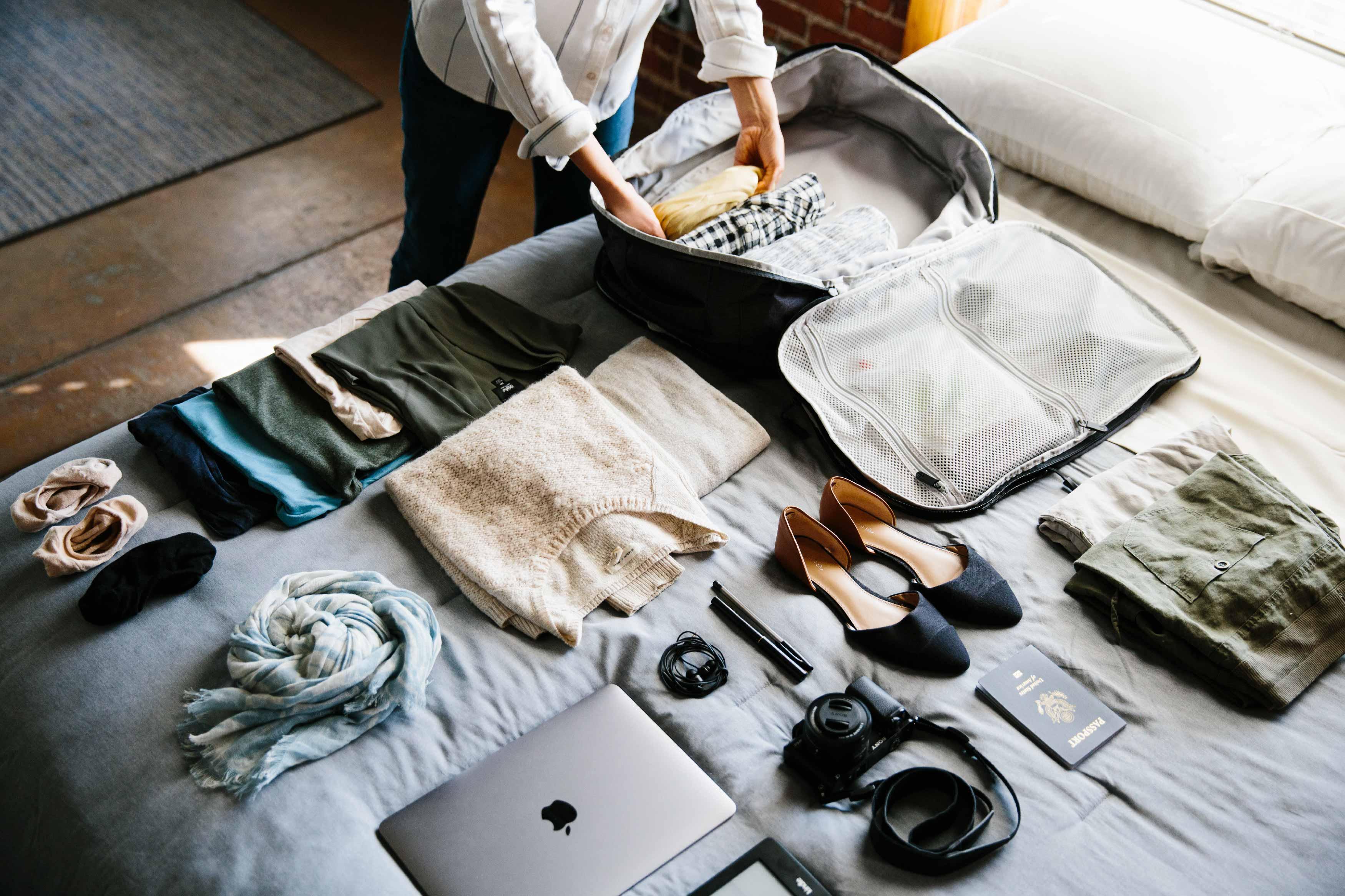Нижнее белье и бюстгальтеры в путешествии: что взять, как хранить и стирать